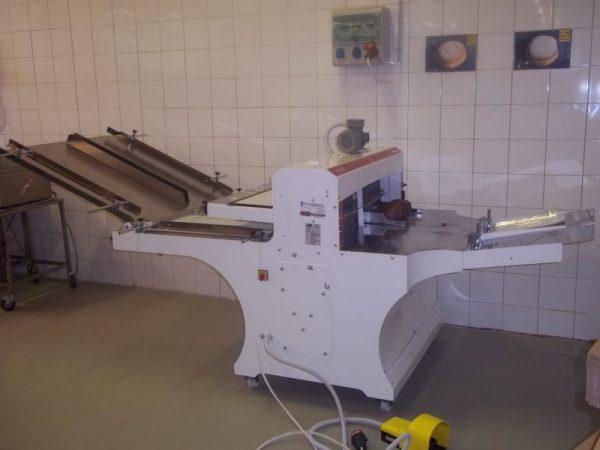 Szalagos kenyérszeletelő gép - DUO front