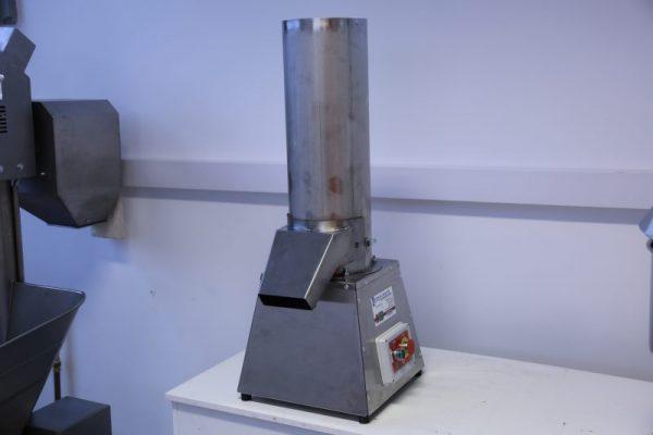Zsemlemorzsa daráló gép