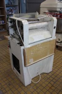 Kiflisodró gép filccsere