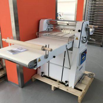 Tésztanyújtó gép MK600