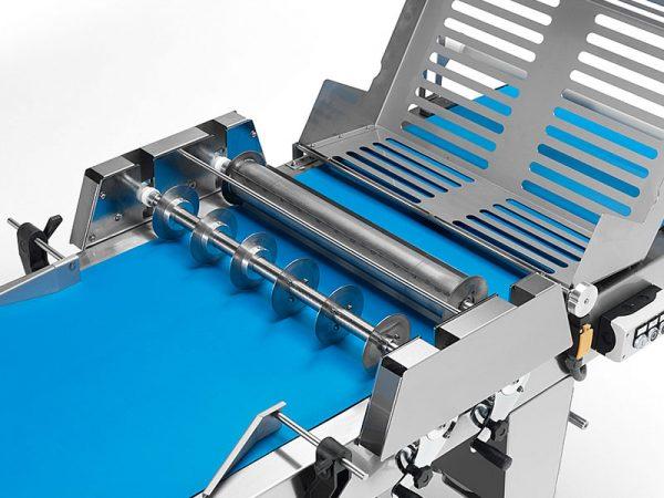 Leveles tészta gyártó gép: vágóhengerek