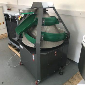 Kúpos gömbölyítő gép raktárról