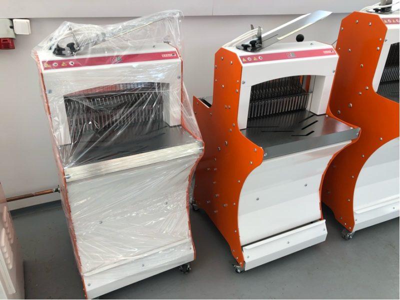 BASIC42 kenyérszeletelő gép