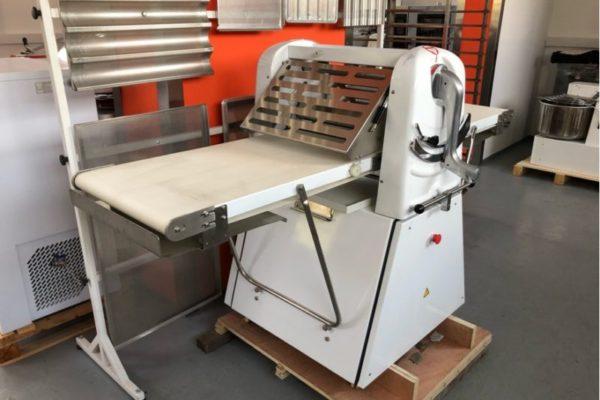 Új állványos tésztanyújtó gép kedvező áron