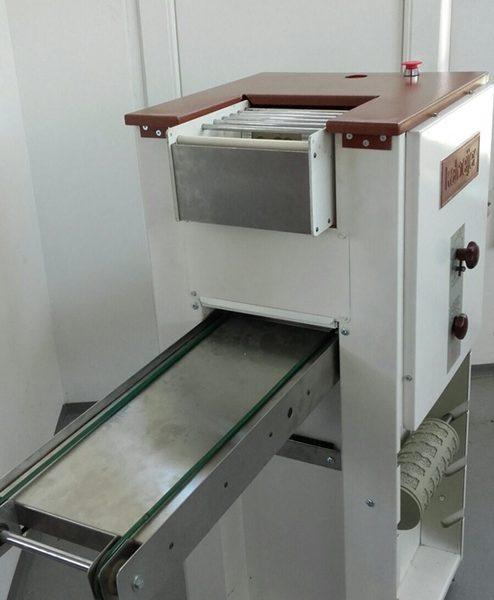Felújított KALMEIJER linzergyártó és kekszgyártó gép