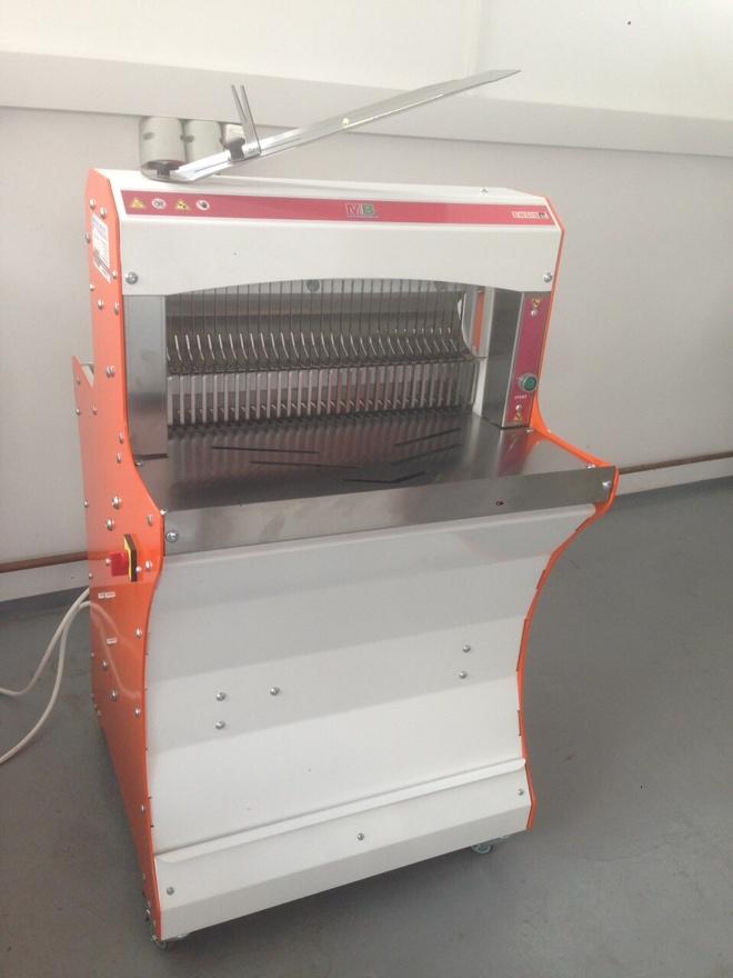 ENSIS52 automata kenyérszeletelő gép