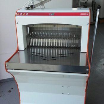 BASIC52L kenyérszeletelő gép
