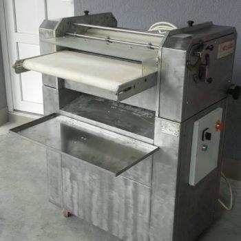Használt PIETRO BERTO kiflisodró gép